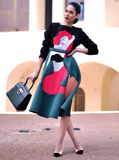 STREET STYLE: NOW THAT'S A FISHY DRESS